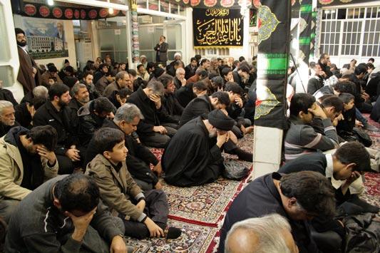 """مراسم در دفتر حضرت آیت الله العظمی فاضل لنکرانی""""قدس سره"""" (دهم ماه محرم 1433) ظهر عاشورا"""