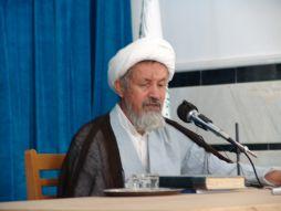تصاویر سخنرانی آیت الله مومن در مورد مرکز
