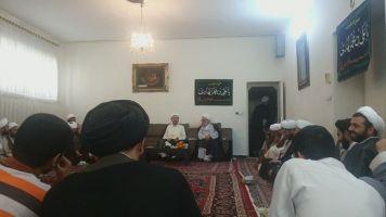 ديدار دانش پژوهان مرکز فقهي با آيت الله اشرفي از علماي مشهد