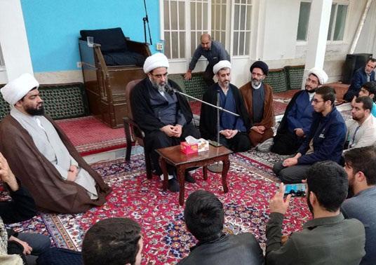 بايد با چراغ اهلبيت و با هدايت اهلبيت سراغ قرآن برويم