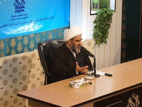 قرآن و عترت، معیار شناسایی انحراف/ ضرورت تربیت مبلغ اعتقادی