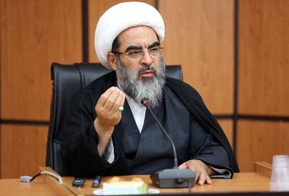 همانطور که حفظ این نظام مقدس جمهوری اسلامی بر ما واجب است. حراست از حوزههای علمیه هم بر همه طلاب و اساتيد واجب است