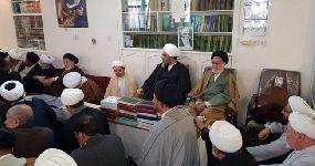 حضور معظم له در مراسم روضه در دفتر مشهد مقدس و اقامه نماز جماعت