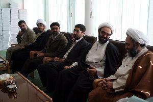 بازدید مسئولين و اعضاي رادیو معارف از مرکز فقهی سال 1386